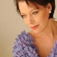 Nina Stemme makes her Opera de Paris debut as Elisabeth in Tannhäuser.