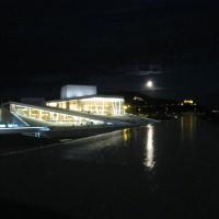 Operaen med fullmåne, foto Henning Høholt