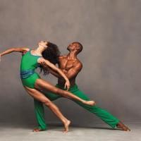 Alicia Graf Mack og Jamar Roberts i Alvin Ailey American Dance Theater. Foto: Andrew Eccles