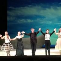 Applaus foto fra ALCINA på Det Kongelige Teater, Gamle Scene i København, med Marius Roth Christensen. Foto Henning Høholt