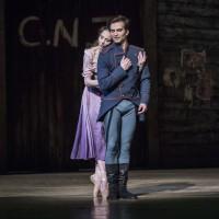 Don Jose-Kaloyan Boyadjiev; and Micaëla-Eugenie Skilnand in their beautiful pas de deux in first act. Foto Erik BErg.