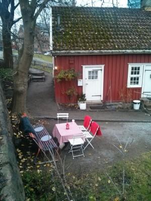Hønse Lovisas Hus fotografert fra Beierbrua