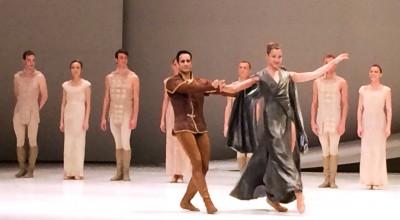 Ediz Erguc as Paris and Mimoza Koike as Lady Capulet. To the very left Joakim Adeberg, in Romeo and Juliette, Monte Carlo, applaus 16.4.2015. Foto Tomas Bagackas