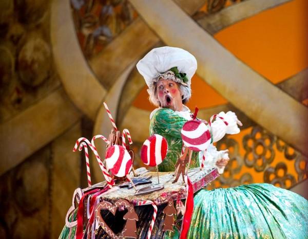 Noetteknekkeren. Foto-Erik-Berg_Kristian Alm spiller i år Butleren og Madame Bonbonniere.