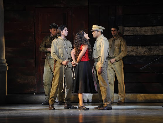 Joel Prieto (José) -  Luna Manzanares (Carmen) - Eman XorOña (Sergent Moreno)