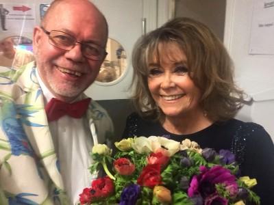 2 glade jubileumsgjester, Wenche Myhre, som sang, og Henning Høholt - Kulturkompasset