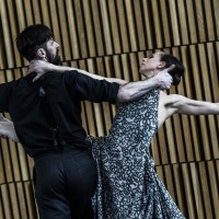 Camilla Spidsøe og Ole Willy Falkhaugen danser duett fraGhostsav Marit Moum Aune og Cina Espejord.