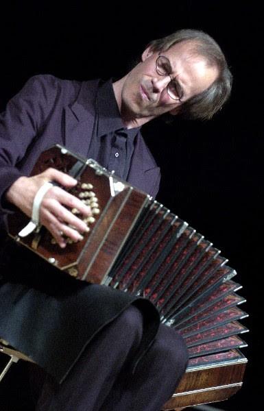 Per Arne Glorvigen vil fascinere publikum med Tange rytmer og delikat harmonika spill.