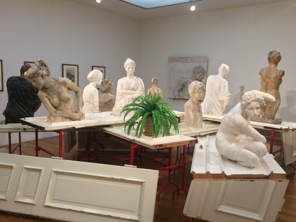 Max Klinger: Plaster models, at the walls behind his graphic seria about Dead.