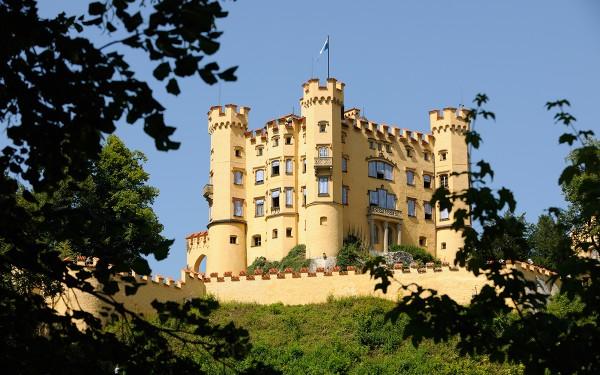 Schloss Hohenschwangau. Photo by www.guenterstandl.de Füssen Tourismus