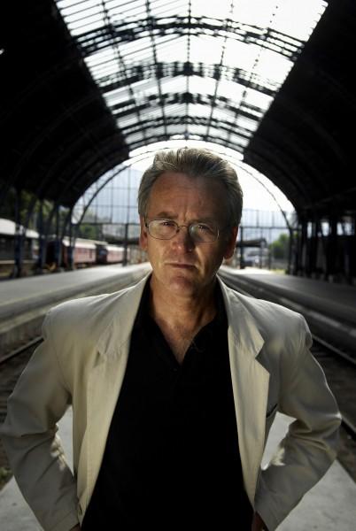 Gunnar Staalesen, fotografert av Helge Skodvin