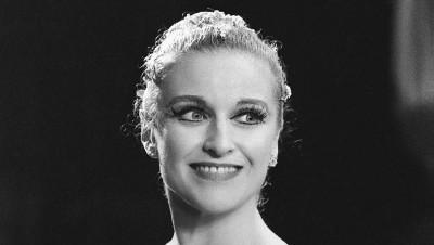 Violette Verdy après la représentation de Sonatine au Palais Garnier, 1975 © Michel Lidvac