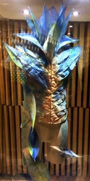 Kostyme til Blomstervals kavaler, utstilt i Operaens foyer. Foto Henning Høholt