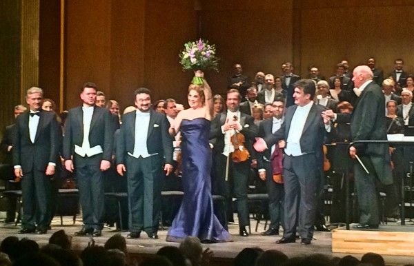 Hurrah, after Simone Boccanegra, from left Stefano Visconti, choire master. Vital Kowaljow, Fiesco.  Ramón Vargas - Gabriele. Sondra Radvanovsky - Amelia. Lidivic Bézier - Simone Boccanegra, Pinchas Steinberg - conductor.
