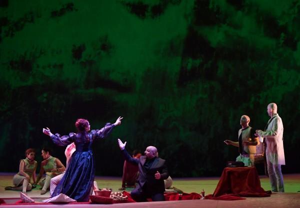 Manon Lescaut: Svanisci Monaco, d'Ambrosia, photo Augusto Bizzi