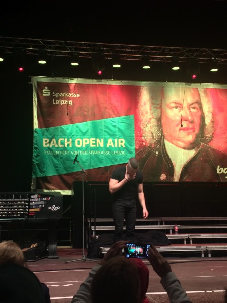 Bach Open Air, with Cameron Carpenter receiving applause in front.