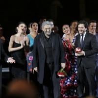 Placido Domingo,  og alle medvirkende. Alle Photos:  Ennevi - Fondazione Arena di Verona