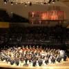 Orchestre Métropolitain de Montreal at Philharmonie de Paris. Please note the open organ lighten up in red, at the top right. Foto Henning Høholt