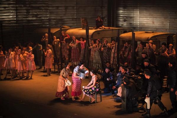 Opera di Firenze. Premiere de la Carmen. Ensemble 1st Act.