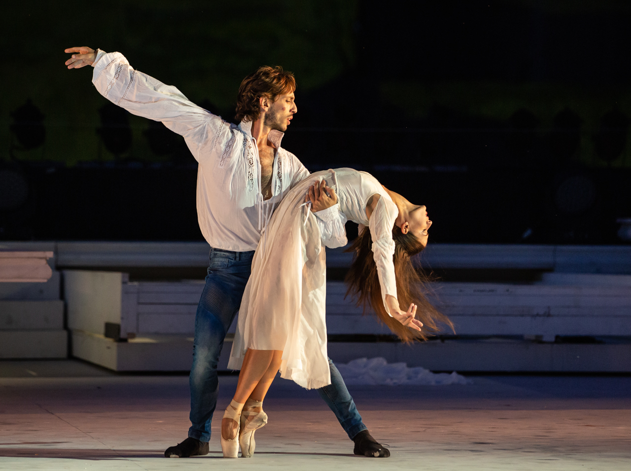 Salvi-Cocino in Romeo e Giulietta di Giuliano Peparini ® Yasuko Kageyama WEB (3)